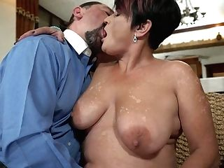Matures Bitch Dolly Bee Gives A Pro Suck Off And Gets Her Cunt Plowed