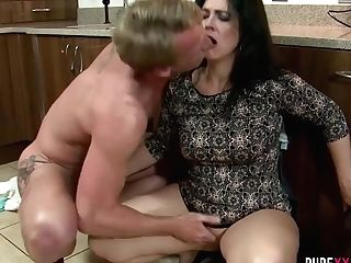 Luke Hardy & Montse Swapper In Swapper Wifey Loves Junior...