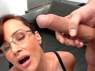 Off The Hook Home Fucky-fucky With The Matures Until She Cums