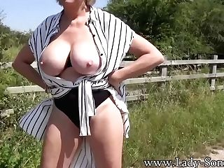 Sexy Matures Lady Sonia Kittling Her Love Button