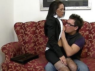 Hot Dark-haired Assistant Gets Fucked In Clothes